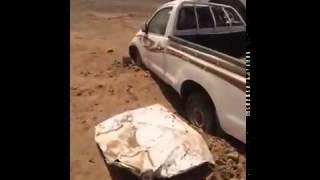 انقلاب شاحنة محمله هايلكسات موديل 2014 بسبب انفجار اطار