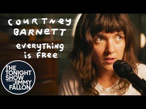 Cover Room: Courtney Barnett -