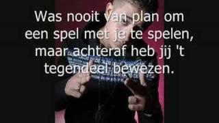 Yes R - Uit Elkaar met Songtekst