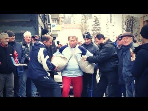 Сербский пенсионер Милован Милутинович отправился пешком в Москву на парад победы