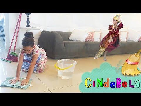 CINDERELA - Uma Nova Cindebela. Historinha da Bela em Portugues | DisneySurpresa