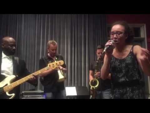 Alex McArthur sings Summertime wCal Parmer Quintet