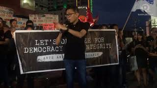 PH media goes black to protest threats against press freedom