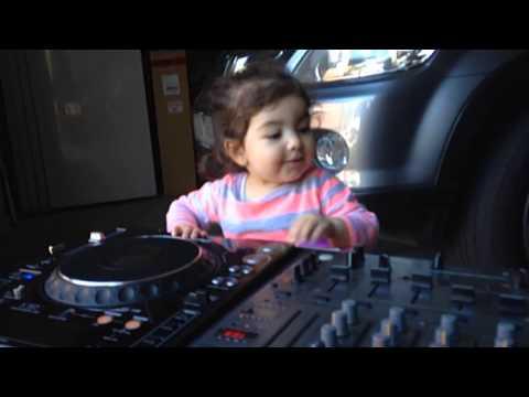 BABY DJ Amina