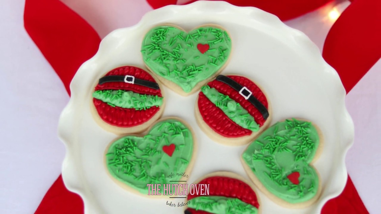 How To Pipe The Grinch Cookies For Christmas