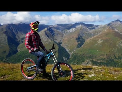 Downhill Mountain Biking in the French Alps with Gojira's Jean-Michel Labadie