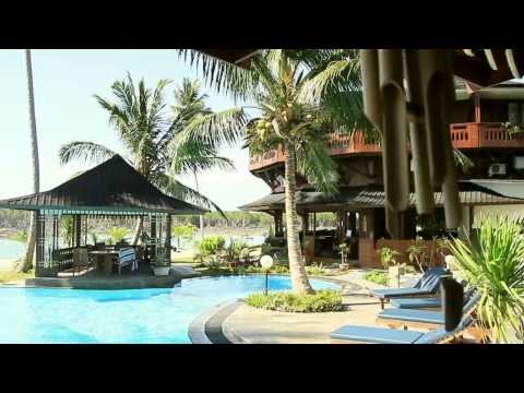 Macaronis Surf Resort, Mentawai Indonesia