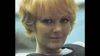 Petula Clark ' Every Little Bit Hurts'  1965 ... in Stereo