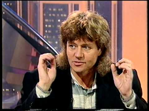 Electric Light Orchestra Part 2  - Bev Bevan & Louis Clark Interview - Pebble Mill