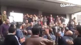 """عمال """"النصر  للمقاولات"""" يعتصمون للمطالبة برحيل الإدارة"""