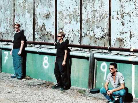 Depeche Mode - I Feel Loved (Live) Exciter Tour!