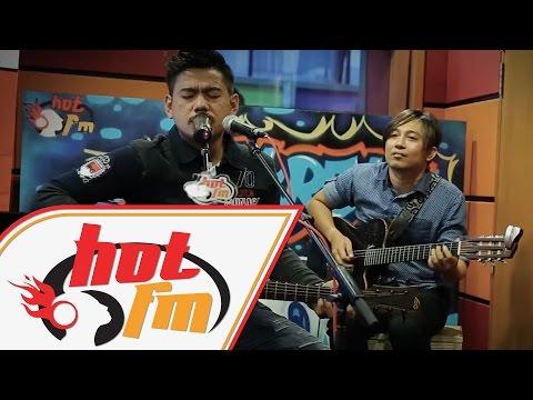 Malam Bulan Di Pagar Bintang - Azlan ft. Fafau & Fizie