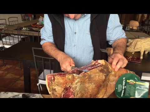 Comment decouper un jambon entier avec os doovi - Comment couper un jambon iberique ...