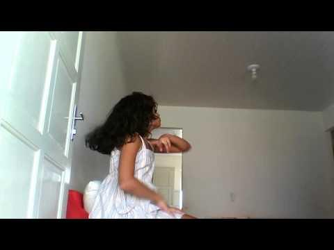 filha de cristiano dançando justin bieber 3 Vídeo da webcam de 7 de março de 2013 9:11