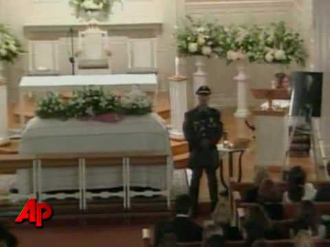Mourners Pay Tribute to Eunice Kennedy Shriver