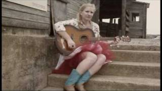 Julia singing George Strait