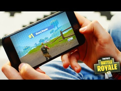 FORTNITE MOBILE GAMEPLAY! FREE FORTNITE MOBILE CODES! (Fortnite Battle Royale)