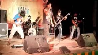 Beche Thakar Lorai (Live)