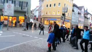 Sirtaki in Tübingen :-) Solidarität mit Griechenland :-) Die Verhältnisse zum Tanzen bringen