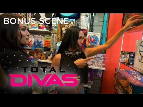 Total Divas | Brie & Nikki Bella Buy Children's Toys for Bryan | E!