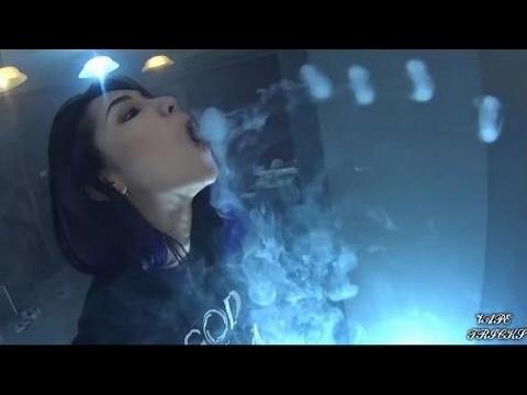 Top Smoke Tricks | Beautiful Girl Smooking 2 With Best Vape Tricks ...