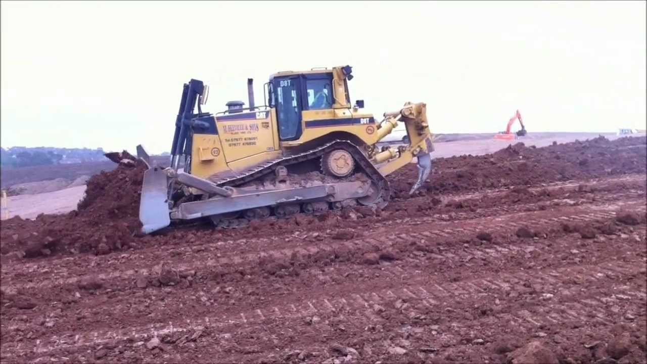 CAT D8 T BULLDOZER