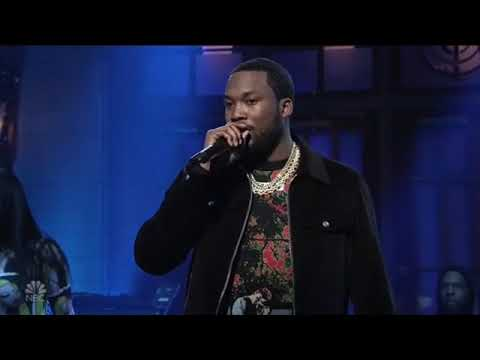 "Meek Mill ""Going Bad"" and ""Uptown Vibes"" SNL Performance"