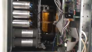 N-Power Evo 100 кВА − внутренняя компоновка(Конструкция мощного трехфазного источника бесперебойного питания N-Power Evo 100 кВА. Подробное описание на ИБП.рф., 2012-12-07T15:16:50.000Z)
