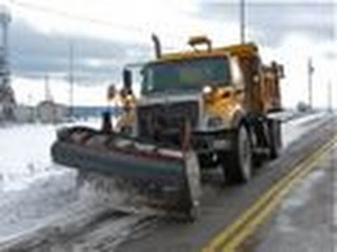 Single Axle Plow Truck Tackles Big Snow Drifts - YouTube