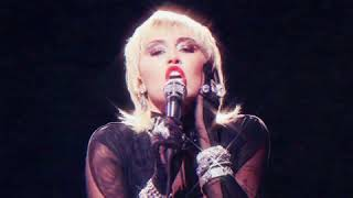 Miley Cyrus - Heart of Glass (Live from the iHeart Music Festival)