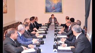 الأسد يطرح خططا إدارية وينشر قصصه على الحواجز #قضية اليوم