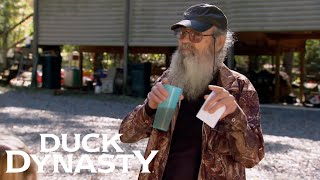 Duck Dynasty: Si Organizes a Treasure Hunt (Flashback) | Duck Dynasty