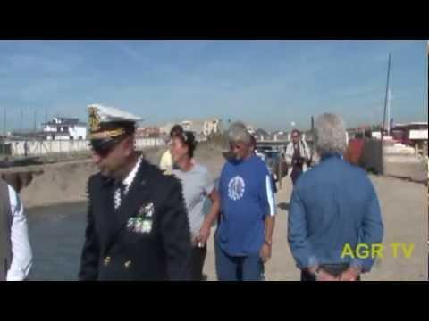 Ostia protesta dei pescatori al borghetto di ostia la for Setacciavano la sabbia dei fiumi