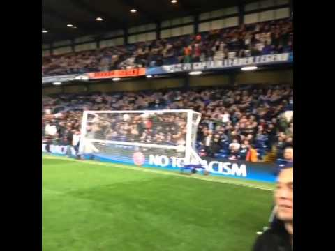 Chelsea fans give an ovation for Drogba - WELCOME BACK KING !