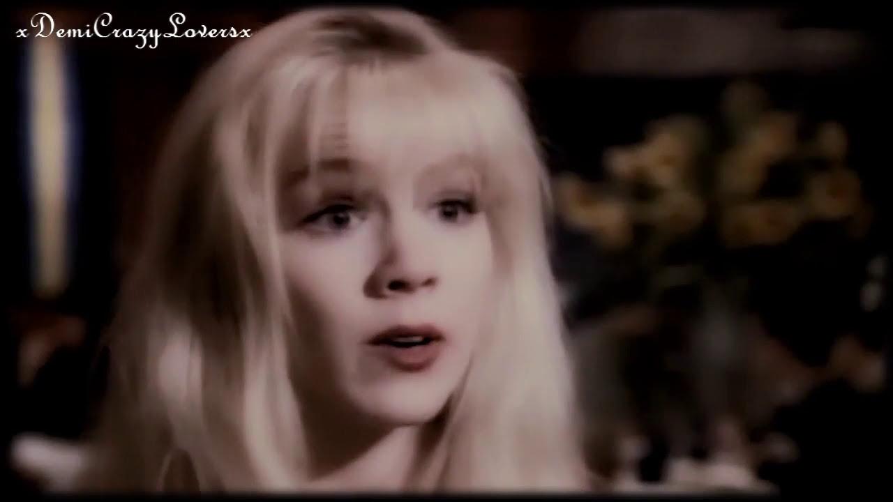 Download Jennie Garth as Kelly in Beverly Hills 90210! (Season 3)