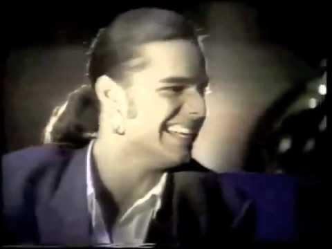 Ricky Martin - Dime Que Me Quieres (Remix) [Vídeo Oficial]