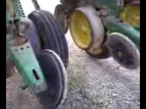 Fixing The John Deere 7000 Corn Planter