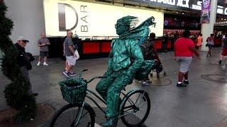 I'm a Street Performer in Las Vegas!