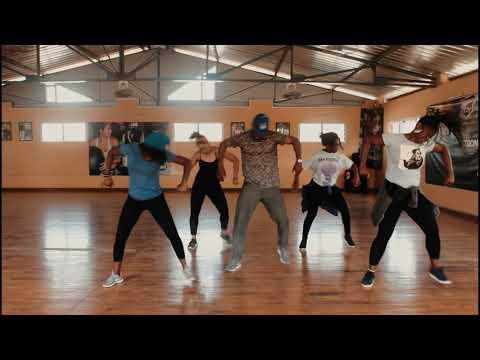 MR Killa- OIL IT, Dance Video DAKAR