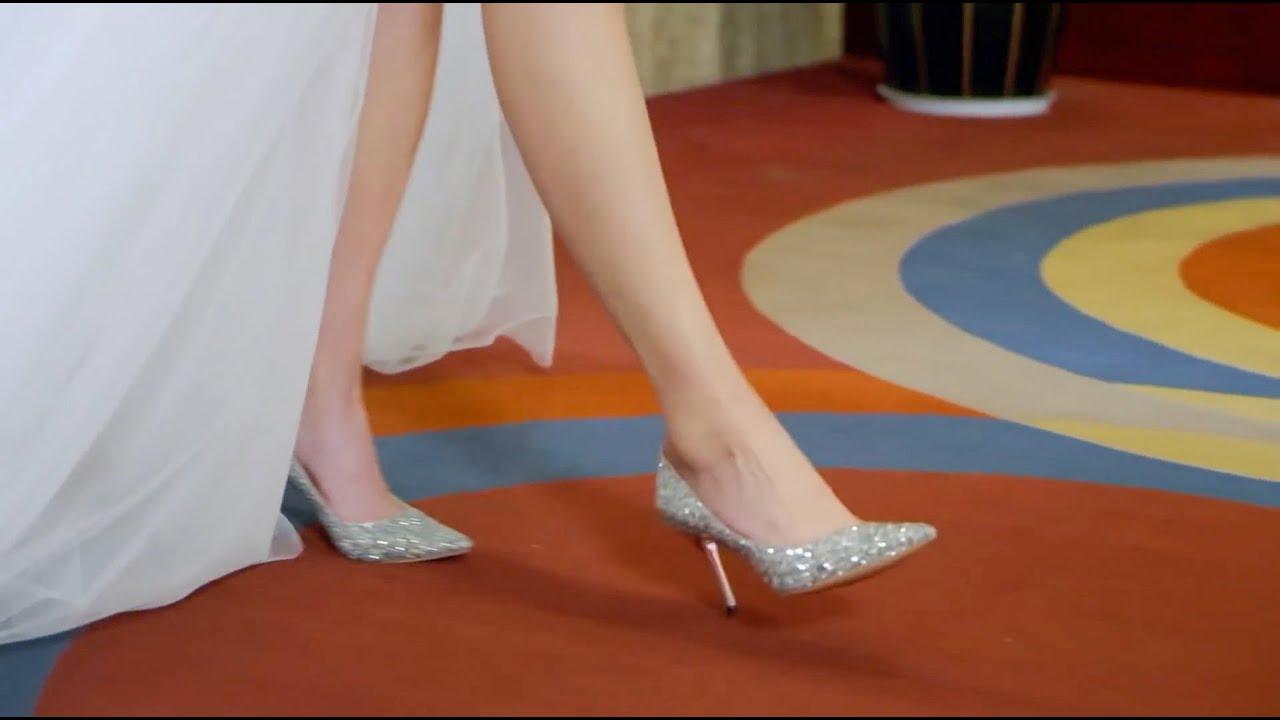 Download 灰姑娘盛裝出席宴會,露出一條美腿便驚艷全場,瞬間吸引众人!EP18 #替身甜妻 #Doublesweetwife