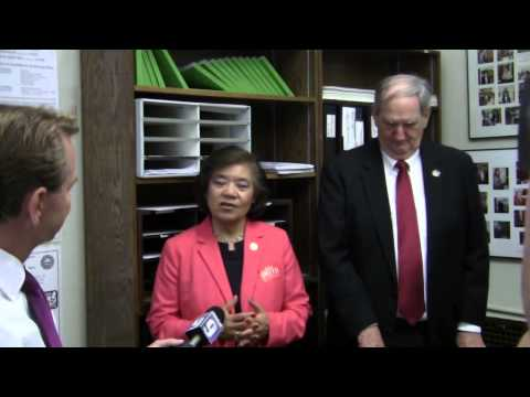 NH Ex-Senator Bob Smith files for office