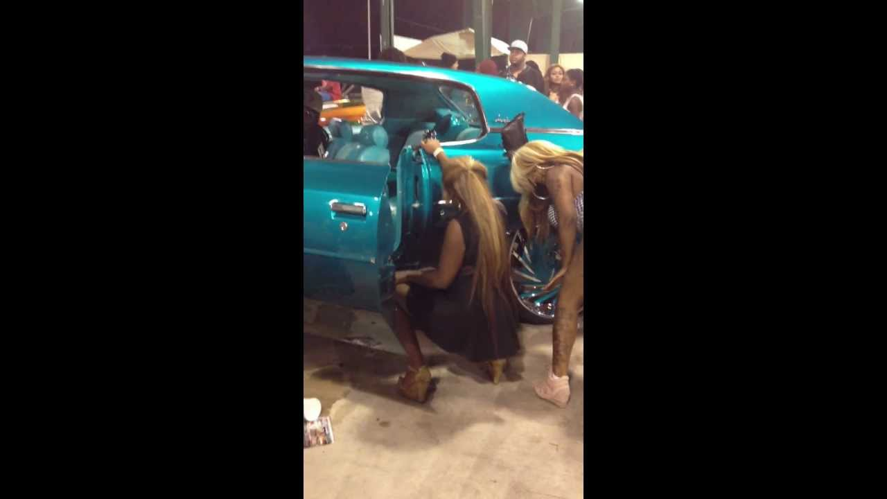 girls getting loose by candy teal donk on 30s asanti orlando classics 2012