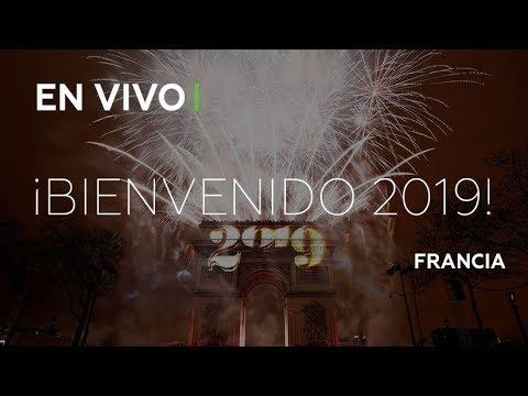 Impresionante espectáculo en París para recibir el 2019