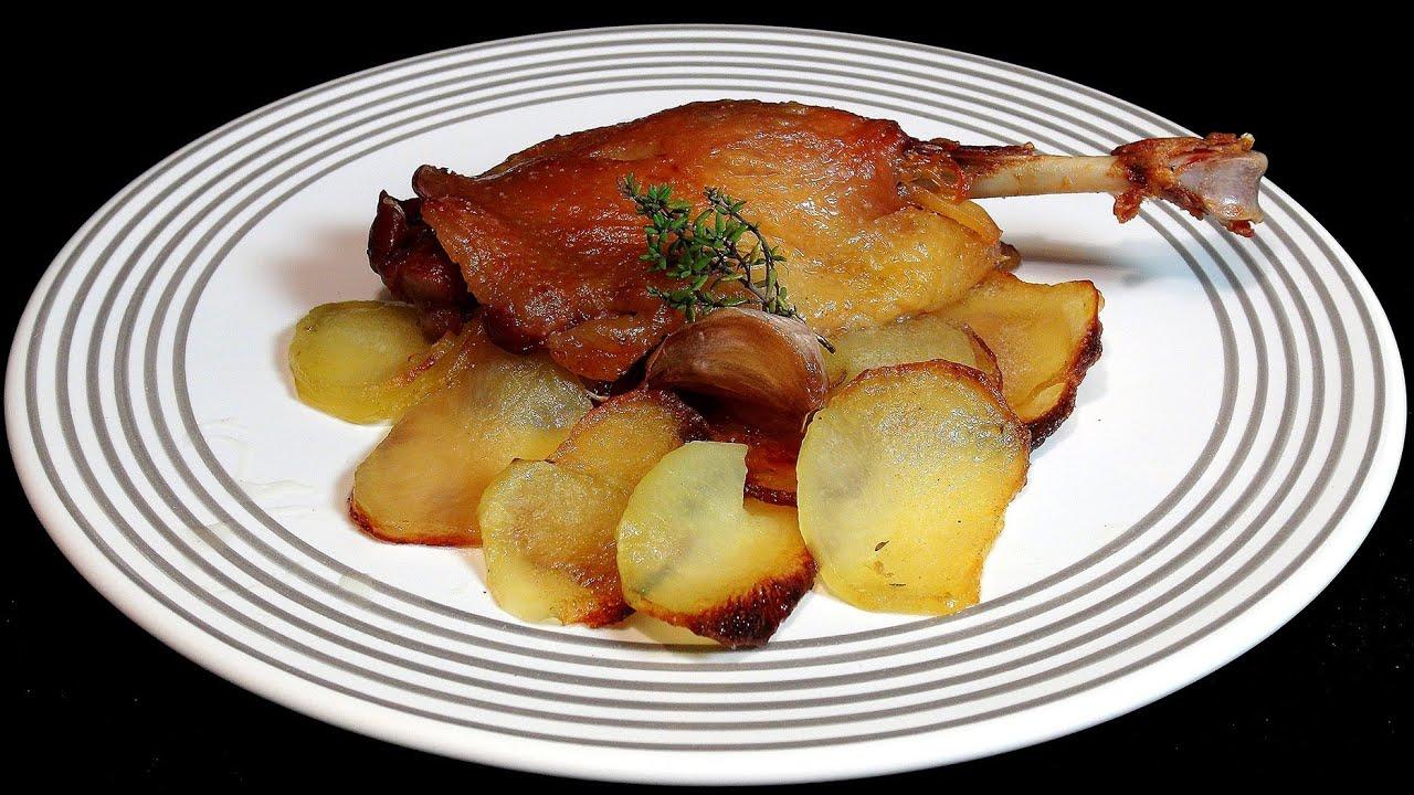 Muslos de pato al horno con patatas panadera recetas de for Pato a la naranja al horno
