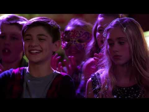 Andi | La fête qui tourne mal | Disney Channel BE