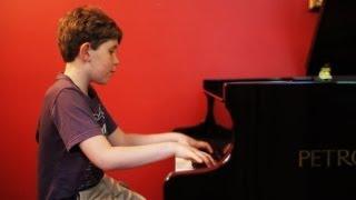 Awe-Inspiring 9-Yr-Old Piano Prodigy