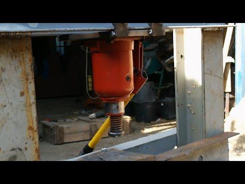 Modify A Hydraulic Jack To Work Upside Down