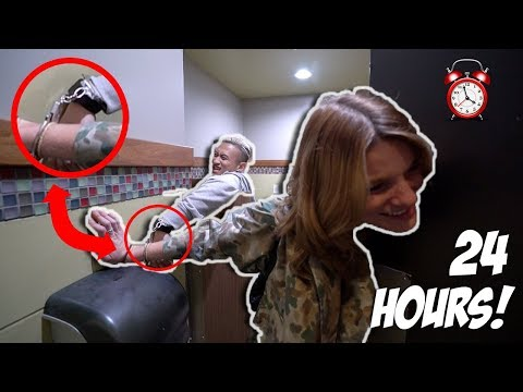24 HOURS HANDCUFFED WITH A STRANGER!! *BAD IDEA*