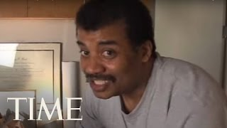 Neil deGrasse Tyson Opens A Rocket In His Office | TIME