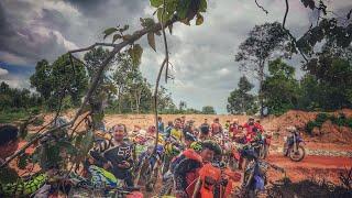 SR Dirt bike team One Day Most Adventure